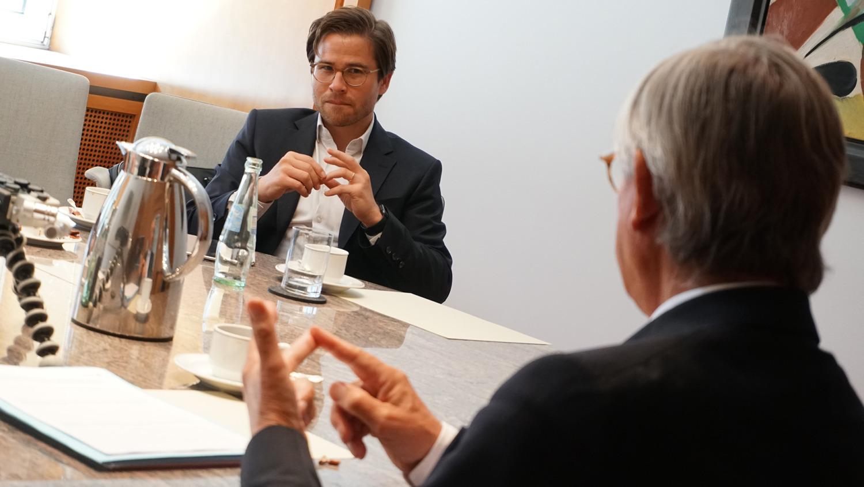 Dr. Sebastian Pacher und Prof. Dr. Ulrich Lehner