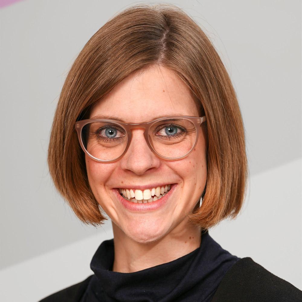 Julia Alt