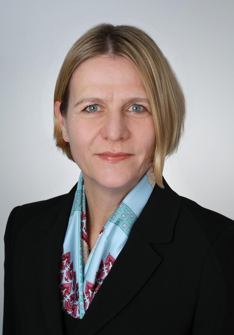 Dr. Bibi Hahn