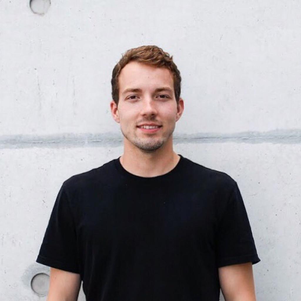 Timo Schönenberg, People Analytics Manager at HelloFresh